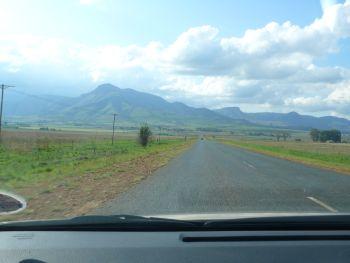 Fahrt durchs Hochland bei Johannesburg