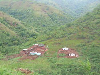 Zulu-Siedlung im Lilani-Tal