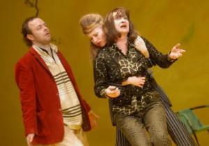 Hanns Jörg Krumpholz, Katharina Waldau (Nuria) und Monika Kroll (Aurelia)