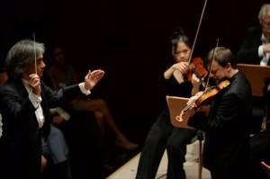Kent Nagano und Frank Peter Zimmermann an der Geige
