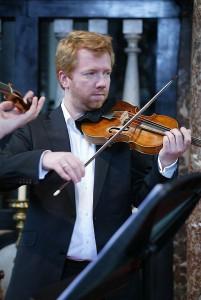 Albrecht Kühner: Violine