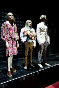Nicolas Fethi Türksever (Lady Capulet), Stefan Schuster (Prinz Paris), Julius Bornmann (Capulet)