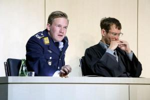 Nico Holonics als Lars Koch und Max Mayer als Verteidiger