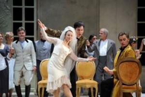 Susanne Serfling (Susanna), Kihwan Sim (Figaro), Chor, Oleksandr Prytolyuk (Graf Almaviva)