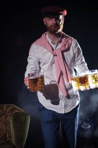 Mathias Znidarec als (studentischer) Bierträger