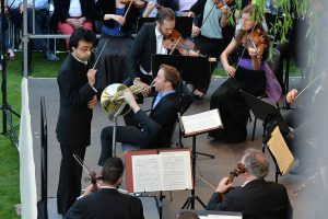 RMF 2016: Mozarts große Nachtmusiken im Kreuzgang von Kloster Eb