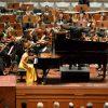 RMF 2017: Sophie Pacini, Klavier / Cuban-European Youth Academy / Duncan Ward, Leitung im Kurhaus Wiesbaden
