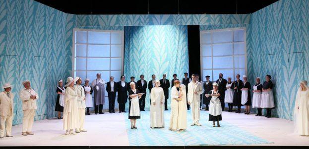 Opernensemble, Opernchor und Statisterie des Staatstheaters Darmstadt